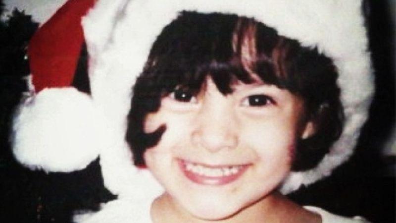 Foto Foto Chelsea Islan - Chelsea Kecil dengan Topi Sinterklas