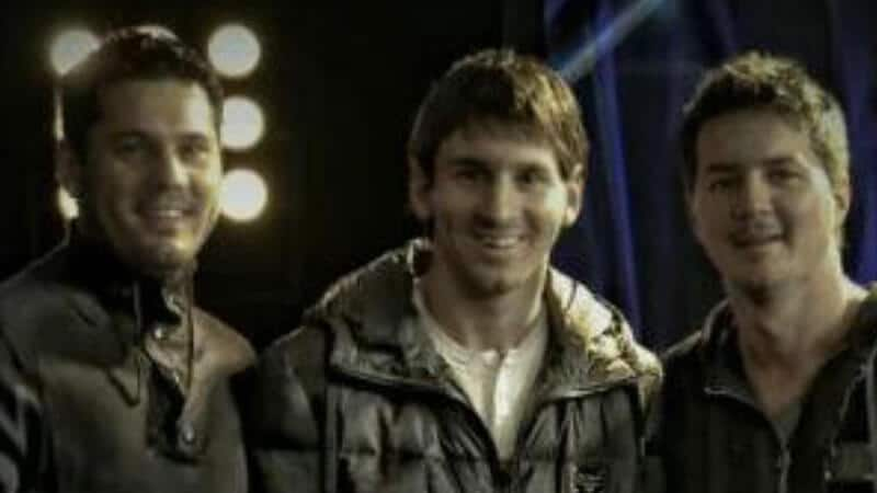Foto Messi - Kakak Leo