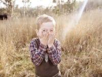 Gambar Lucu dan Unik - Anak Kecil Tertawa