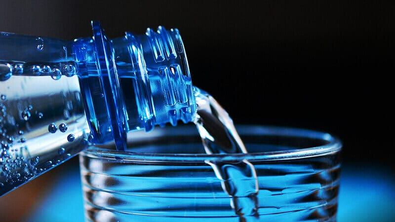Akibat kurang minum air putih - Air putih