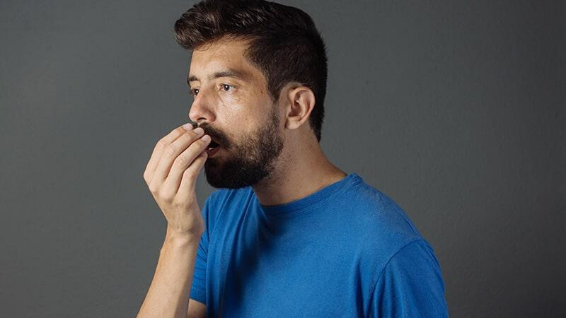 Akibat kurang minum air putih - Bau mulut