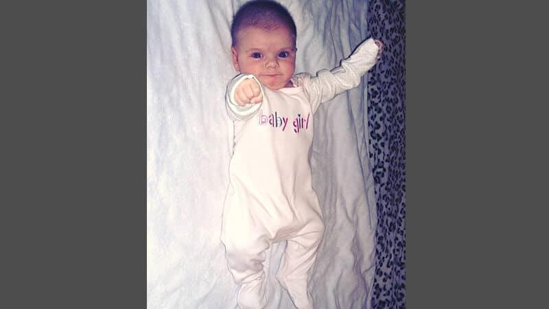 Foto foto bayi lucu - Gerakan tinju