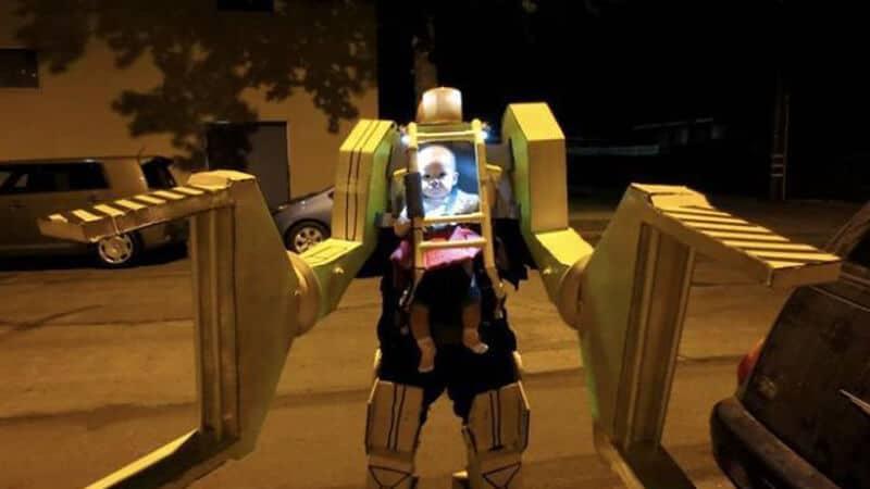 Foto foto gokil bikin ngakak - Kostum Transformer