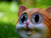 Foto Foto Lucu Banget Bikin Ngakak - Boneka Kucing Senyum