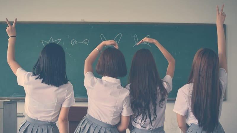 Cerita Anak Sekolah - Empat Cewek SMA