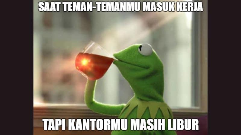 Meme Lucu buat Komen - Meme Boneka Kodok Minum Teh