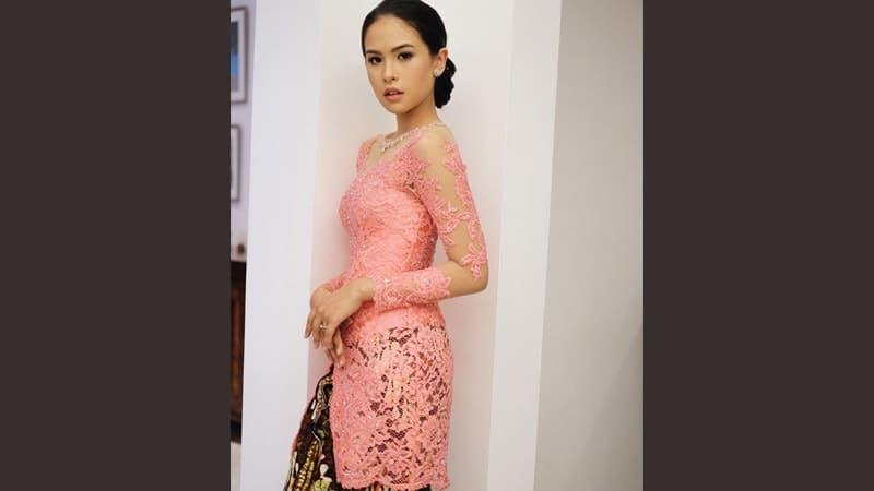 Model model kebaya modern - Maudy Ayunda