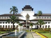 Tempat Wisata di Bandung - Gedung Sate