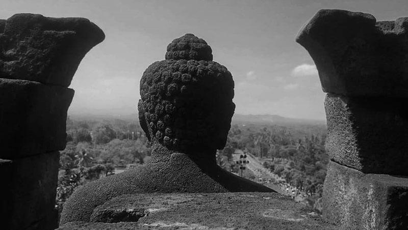 Tempat wisata Candi Borobudur - Kepala patung