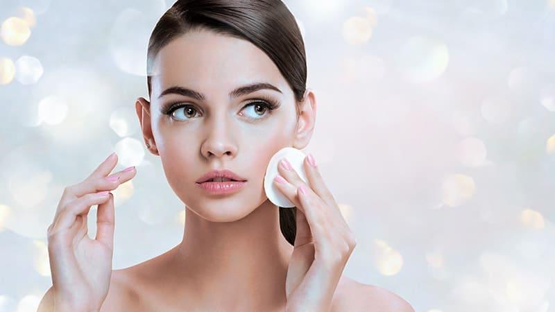 Cara perawatan wajah sehari hari - Wajah wanita