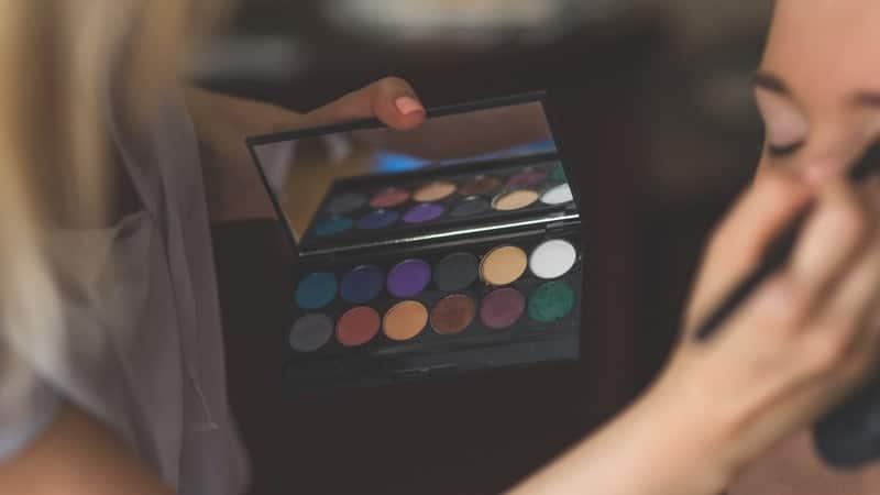 Tutorial Make Up Mata - Eyeshadow