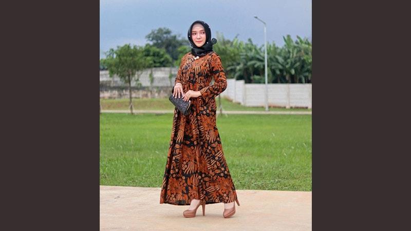 Model baju batik modern wanita - Batik hijab