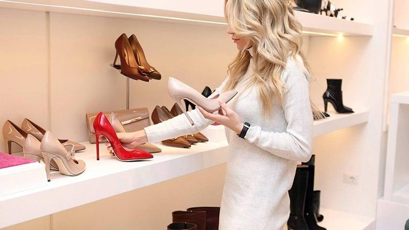 Model Model Sepatu Wanita - Memilih Sepatu