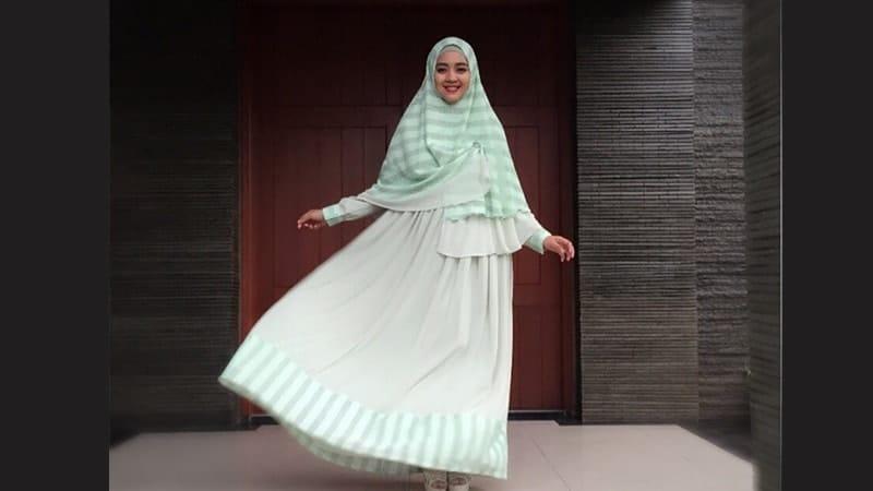 Model Baju Gamis Modern - Nuri Maulida