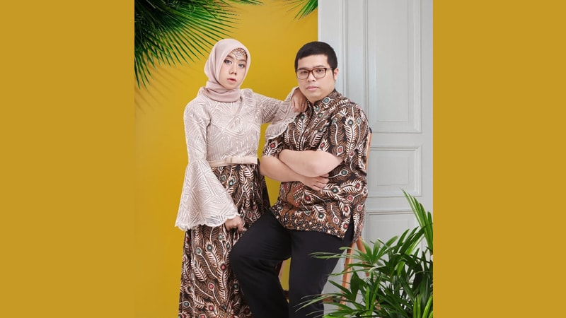 Model baju batik couple modis - Sarimbit gamis