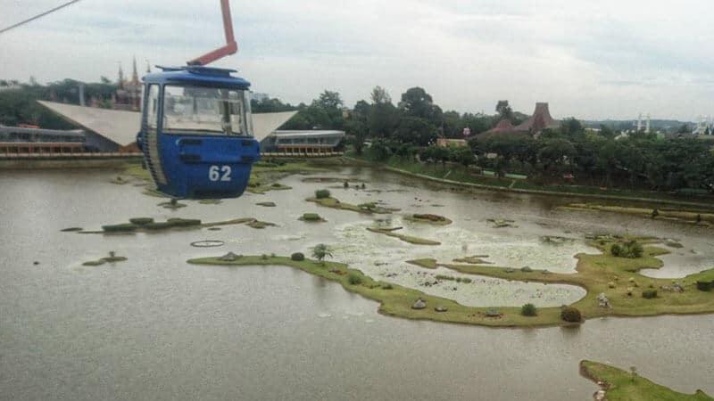 Taman Mini Jakarta - Kereta Gantung