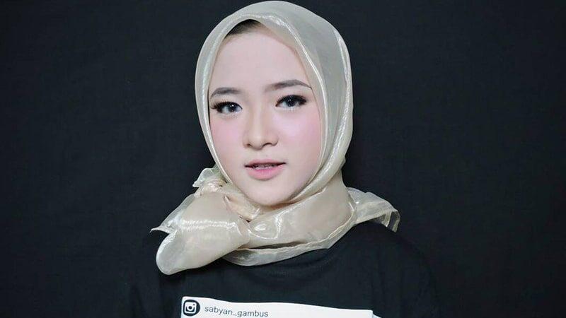 Biodata Nissa Sabyan Lengkap - Nissa Sabyan