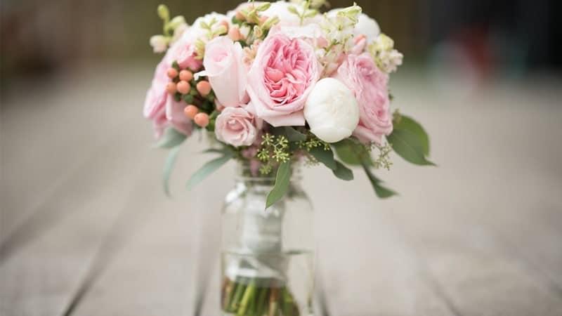 Cara Merawat Bunga Mawar - Vas Bunga Mawar
