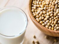 Manfaat Susu Kedelai untuk Kesehatan - Segelas Susu Kedelai