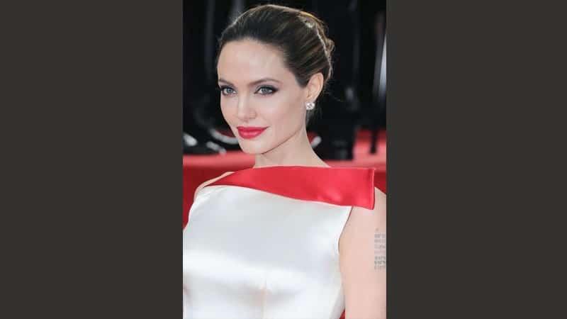 Wanita Tercantik di Dunia - Angelina Jolie