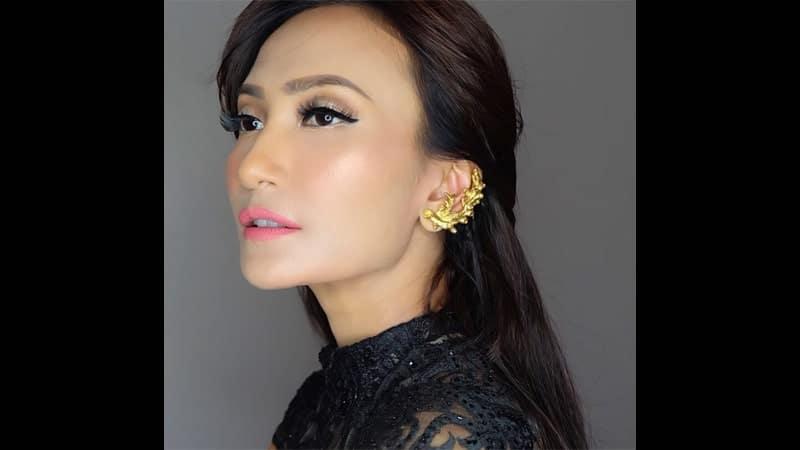 Wanita Tercantik di Indonesia - Artika Sari Devi
