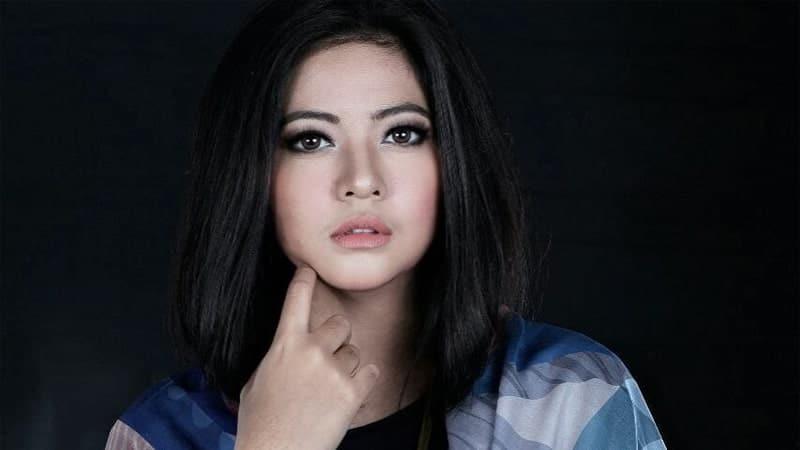 Wanita Tercantik di Indonesia - Qory Sandioriva