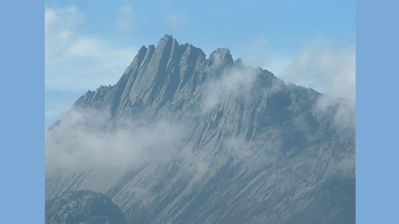 Gunung Tertinggi di Indonesia - Gunung Jayawijaya