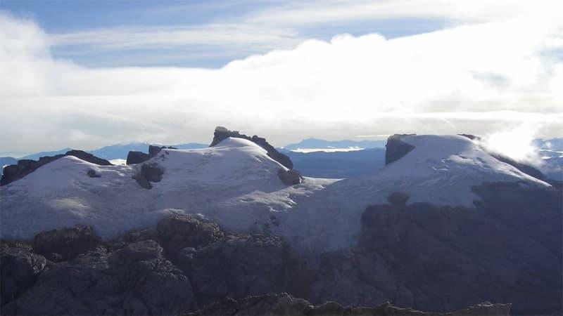 Gunung Tertinggi di Indonesia - Gunung Sumantri