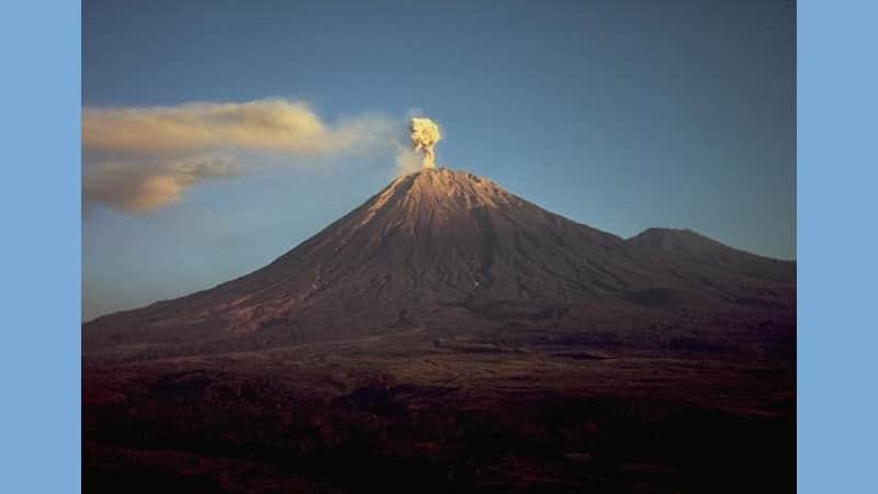 Gunung Tertinggi di Indonesia - Gunung Semeru