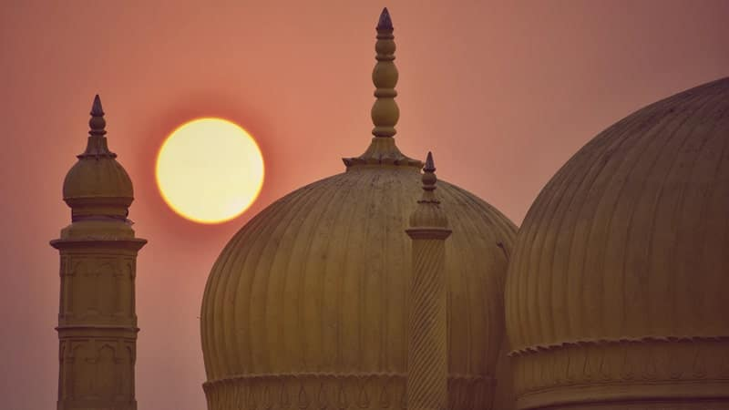 Kisah Nabi Ayub AS - Masjid dan Bulan