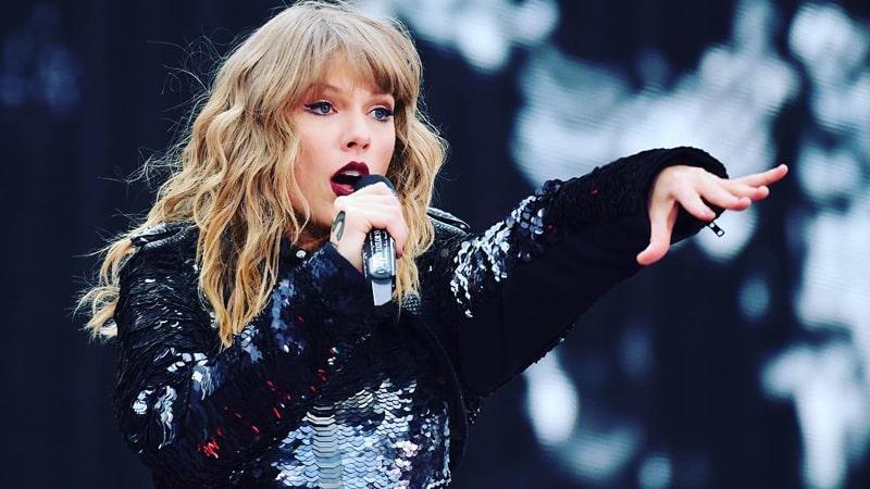 Biodata Taylor Swift - Taylor Swift