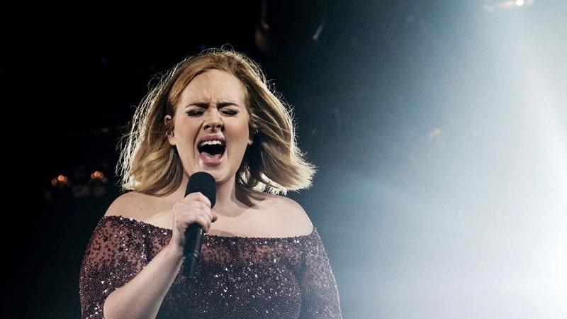 Lirik Lagu Hello Adele - Adele
