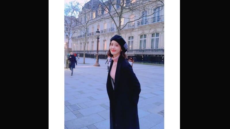 Foto-Foto Yoona SNSD - Pakai Coat di Musim Dingin