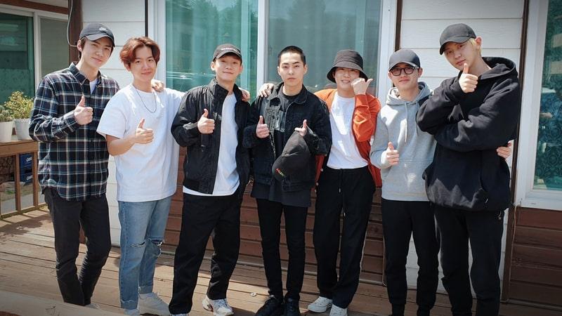 Potret Kebersamaan EXO - Perpisahan Wamil Xiumin