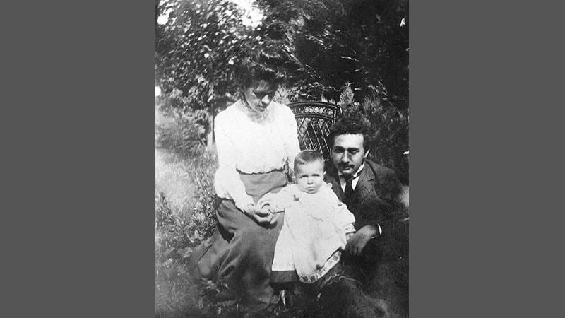 Biografi Albert Einstein - Keluarga Albert Einstein