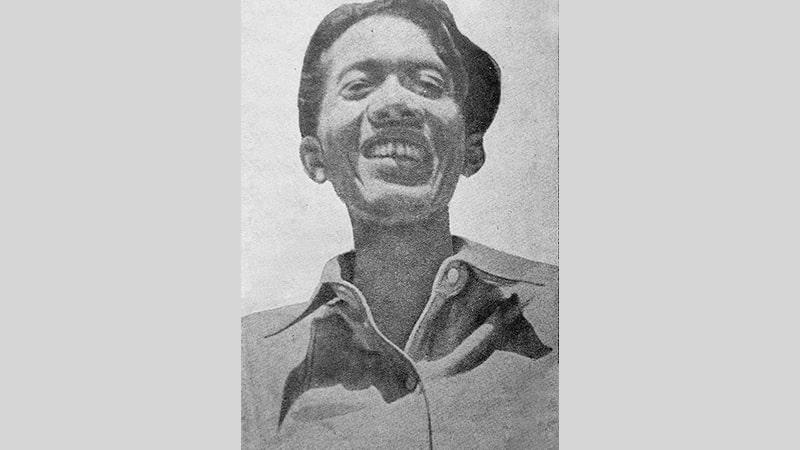 Biografi Chairil Anwar - Chairil Anwar Tersenyum