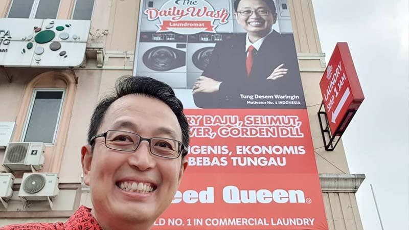 Biografi Tung Desem Waringin - Bisnis Laundry