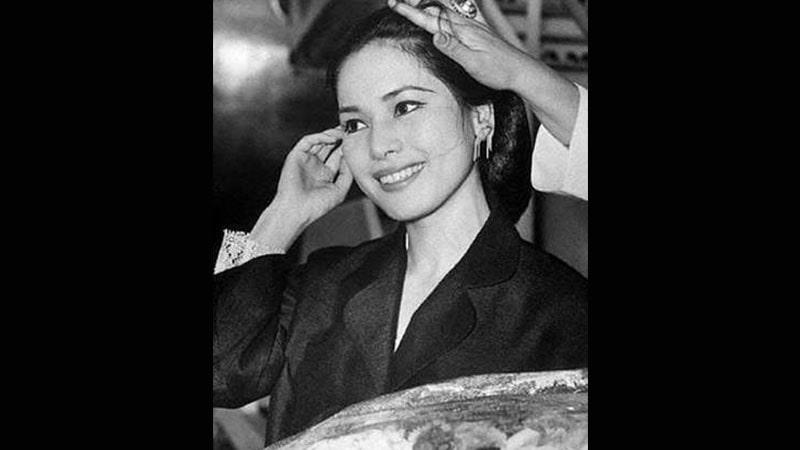 Biografi Ratna Sari Dewi Soekarno - Naoko Nemoto