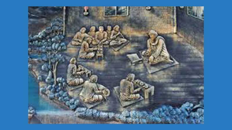 Biografi Raden Maulana Makdum Ibrahim - Mengajar Gamelan