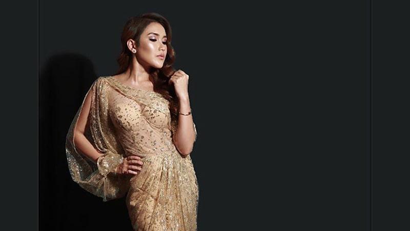 Foto-Foto Ayu Ting Ting - Dress One Shoulder Beige