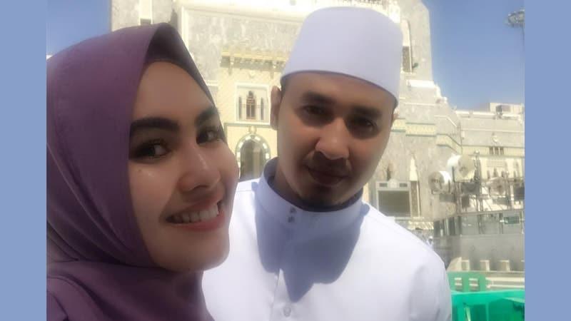 Foto-Foto Kartika Putri - Rindu Suami