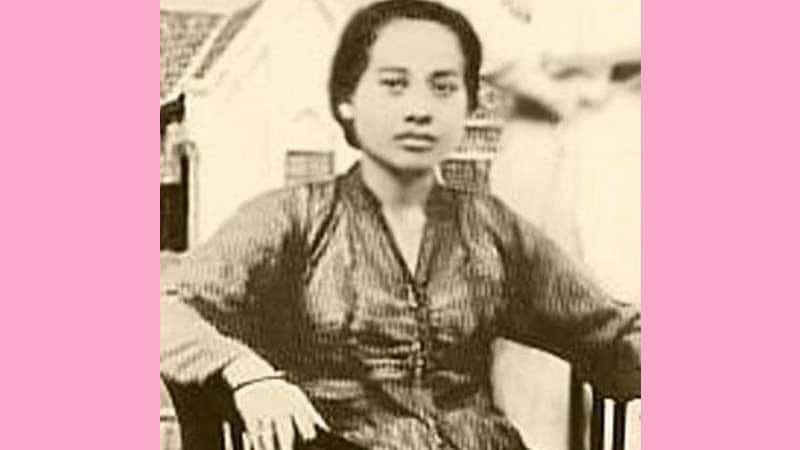 Biografi Siti Oetari - Oetari Muda