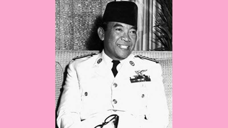 Biografi Siti Oetari - Soekarno