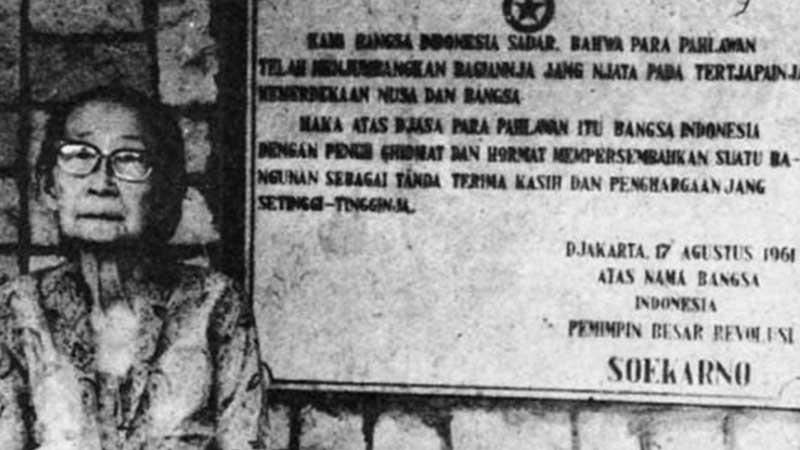 Biografi Siti Oetari - Oetari