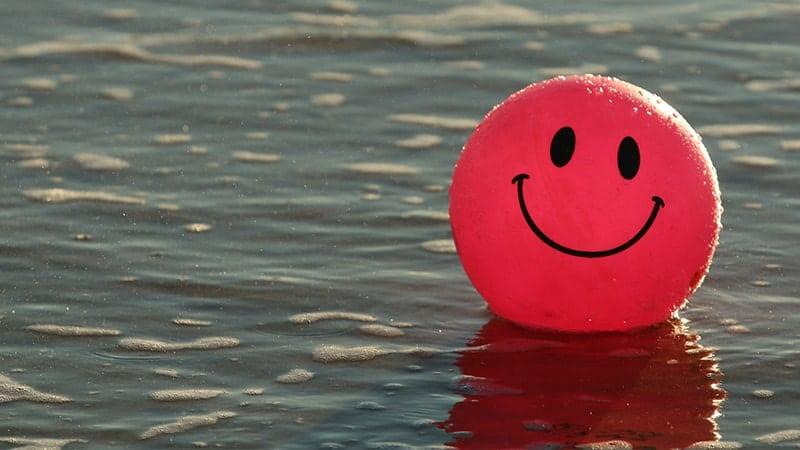 Kata Bijak tentang Senyum - Bola Merah Tersenyum