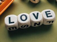 Kata-Kata Cinta Islami yang Menyentuh Hati Pria