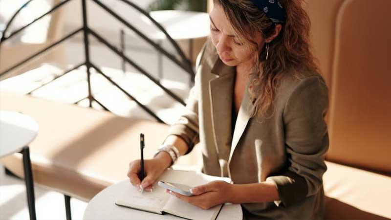 Kata Bijak untuk Renungan Wanita - Bekerja Keras