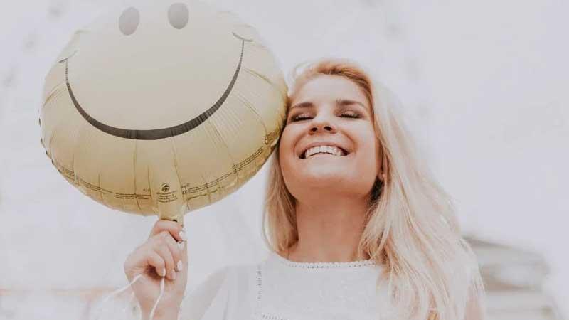 Kata Mutiara Ikhlas Menerima Kenyataan - Senyum