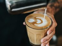 Kata-Kata Kopi Romantis - Latte Art Hati