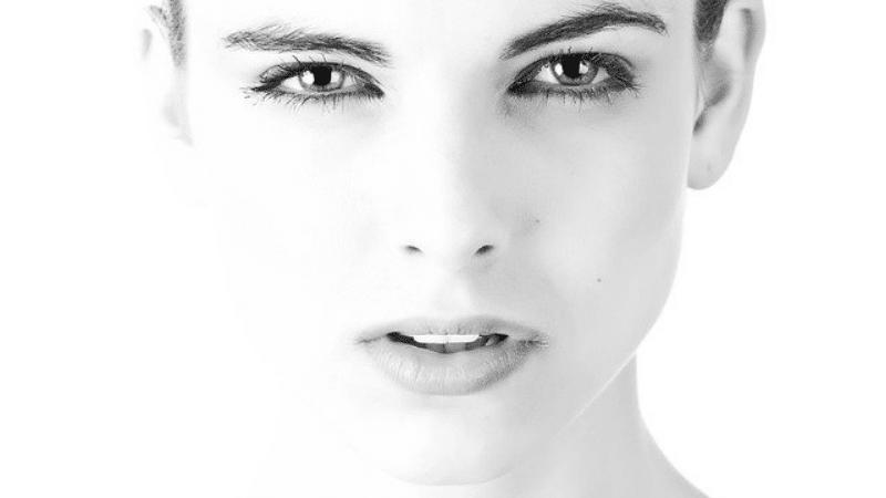 5 Merk Krim Malam yang Bagus untuk Kulit Wajah Berminyak
